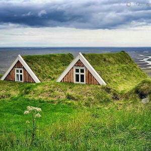 Farmhouse-Skaftafell-Iceland