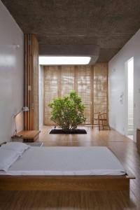 chambre-coucher-lit-japonais-decoration-bonsai