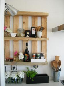 etagere-en-palette-en-bois-pour-cuisine