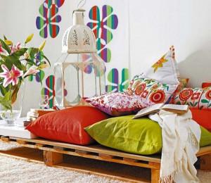 lit-en-palette-en-bois-pour-salle-a-coucher