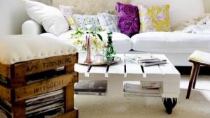 meuble-en-palette-en-bois-table-basse-en-blanc