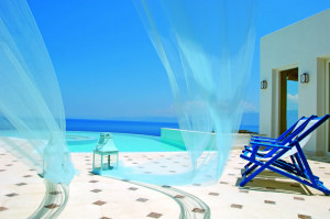 The-Elounda-Gulf-Villas-Suites-Greece-infinity-pool